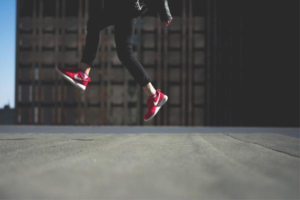 611db80165 Shoes must go on ! Chaussez les bonnes baskets pour courir ...