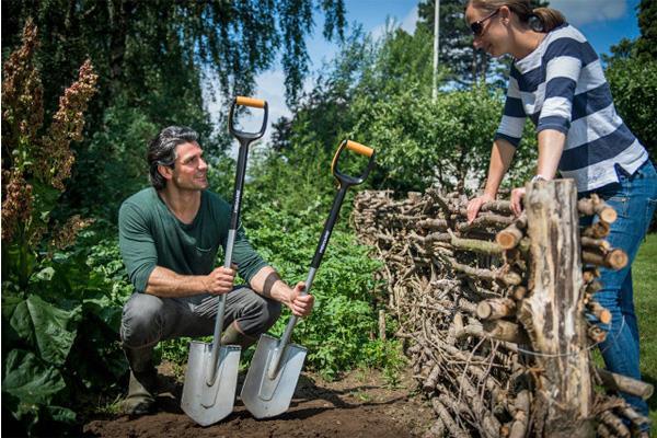 top 3 des outils indispensables pour jardiner conseils d. Black Bedroom Furniture Sets. Home Design Ideas