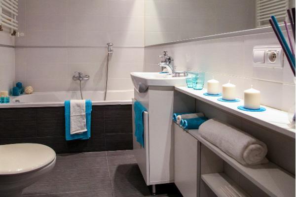 Transformer votre salle de bain en 4 étapes abordables ...
