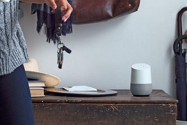5 objets connect s relier google home. Black Bedroom Furniture Sets. Home Design Ideas
