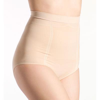 Tout au long de la grossesse puis de l'allaitement, Nuk vous offre une gamme complète de produits sans couture, ultra-confortables et respirants, offrant la certitude d'une taille toujours parfaitement adaptée pour un maintien optimal. En microfibre ultra