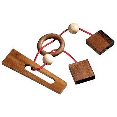 Casse-tête en bois - L'anneau maudit