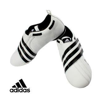 Chaussures Taekwondo adidas Dyna taille : 38 Accessoires de