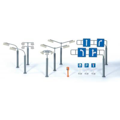 Panneaux de signalisation et réverbères siku