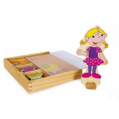 Poupée en bois à habiller avec garde robe Régina