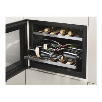 electrolux erw0670a cave vin int grable inox. Black Bedroom Furniture Sets. Home Design Ideas