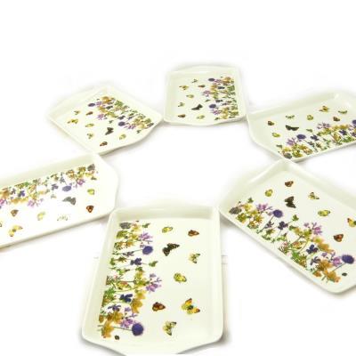 6 petits plateaux 'Papillons Romantiques' beige multicolore