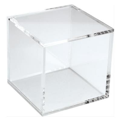 Salière carrée transparente