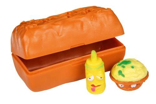 2 figurines surprises The Grossery Gang dans un pack au décor de barre chocolatée + fiche guide du collectionneur. Figurines à collectionner ou à mettre au bout de ses crayons. Vendues dans un présentoir de comptoir de 30 pièces.