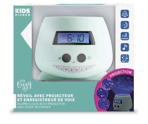 Ce réveil avec projecteur et enregistreur de voix à tout pour devenir le nouveau compagnon de vos enfants. La fonction projection vous permettra de changer lambiance aux grès de leurs envies et vivre des nuits magiques. Doté de plusieurs sons pré-enregist