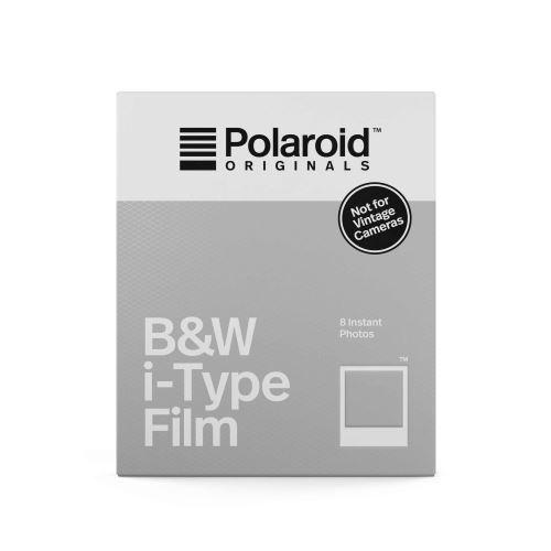 """Pack de 10 photos en noir et blanc instantanées ; Bord argenté ; Format : 8.4"""" x 12.8"""" (21.4 cm x 32.5 cm) ; Taille de l'image : 8"""" x 10"""" (20.3 cm x 25.4 cm), 640 ASA, Fini Brillant ; Dévéloppement en 5-10 minutes"""