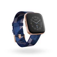 Montre connectée Fitbit Versa 2 Edition spéciale Bleu marine et rose tissé