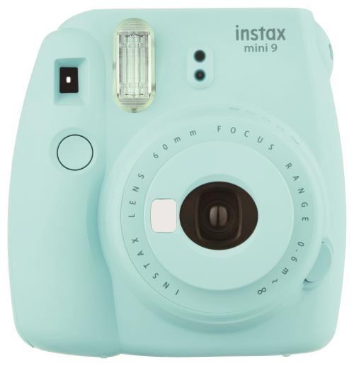 Lappareil photo instantané Fujifilm Instax mini 9 permet dobtenir des tirages sur papier argentique au format carte de visite quelques instants après la prise de vue