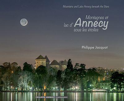 Montagnes et lac d'Annecy sous les étoiles
