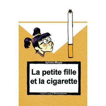 La petite fille et la cigarette