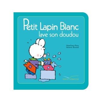 Petit Lapin BlancPetit Lapin Blanc lave son doudou