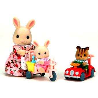 Figurines Sylvanian Families + Tricycle et mini voiture bébés