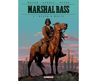 Marshal Bass 01. Black & White