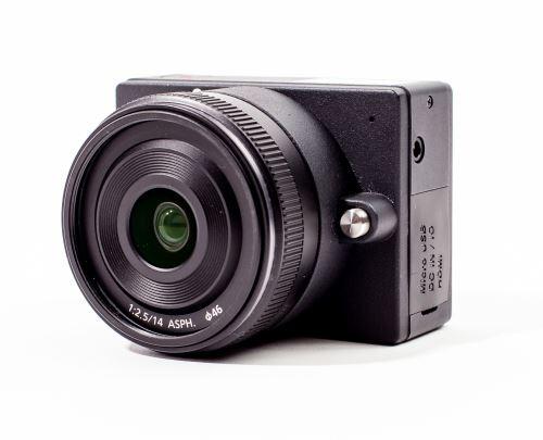 Capteur micro 4/3 Panasonic MN34230, résolution video 4K ( 4096 x 2160) et ultra HD (3840 x 2160), compatible toutes marques objectifs micro 4/3 , écran LCD 2,5 avec zoom de prévisualisation, photo 16M