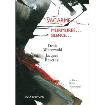Vacarme... murmures... silence...