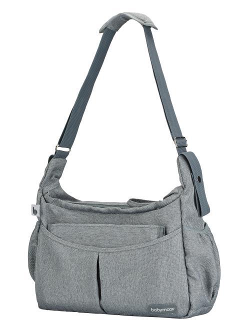 Avec son format compact et sa large ouverture zippée, le sac à langer Urban Bag de Babymoov est facile à vivre et idéal au quotidien pour emporter les affaires à la fois de bébé et les vôtres ! D´un style résolument urbain, il peut se porter à l´épaule ou