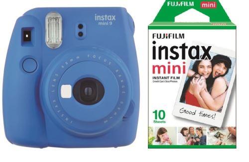 L'appareil photo instantané Fujifilm Instax mini 9 permet d'obtenir des tirages sur papier argentique au format carte de visite quelques instants après la prise de vue.