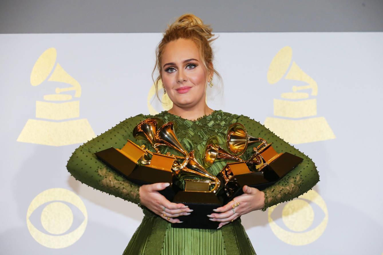 Grammys 2017: Adele arrasa e dedica os prémios a Beyoncé