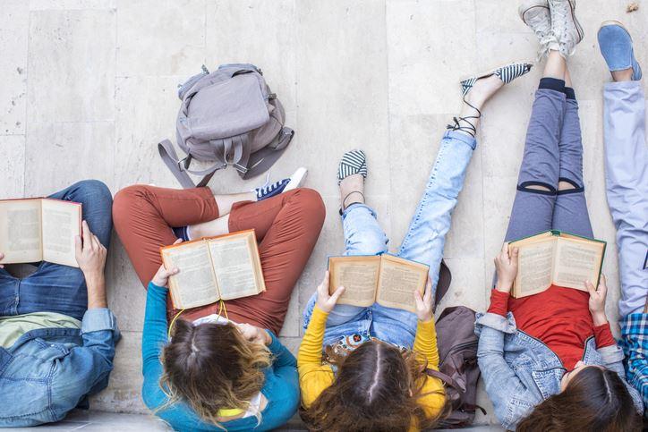 6 livros que todos os adolescentes deviam ler