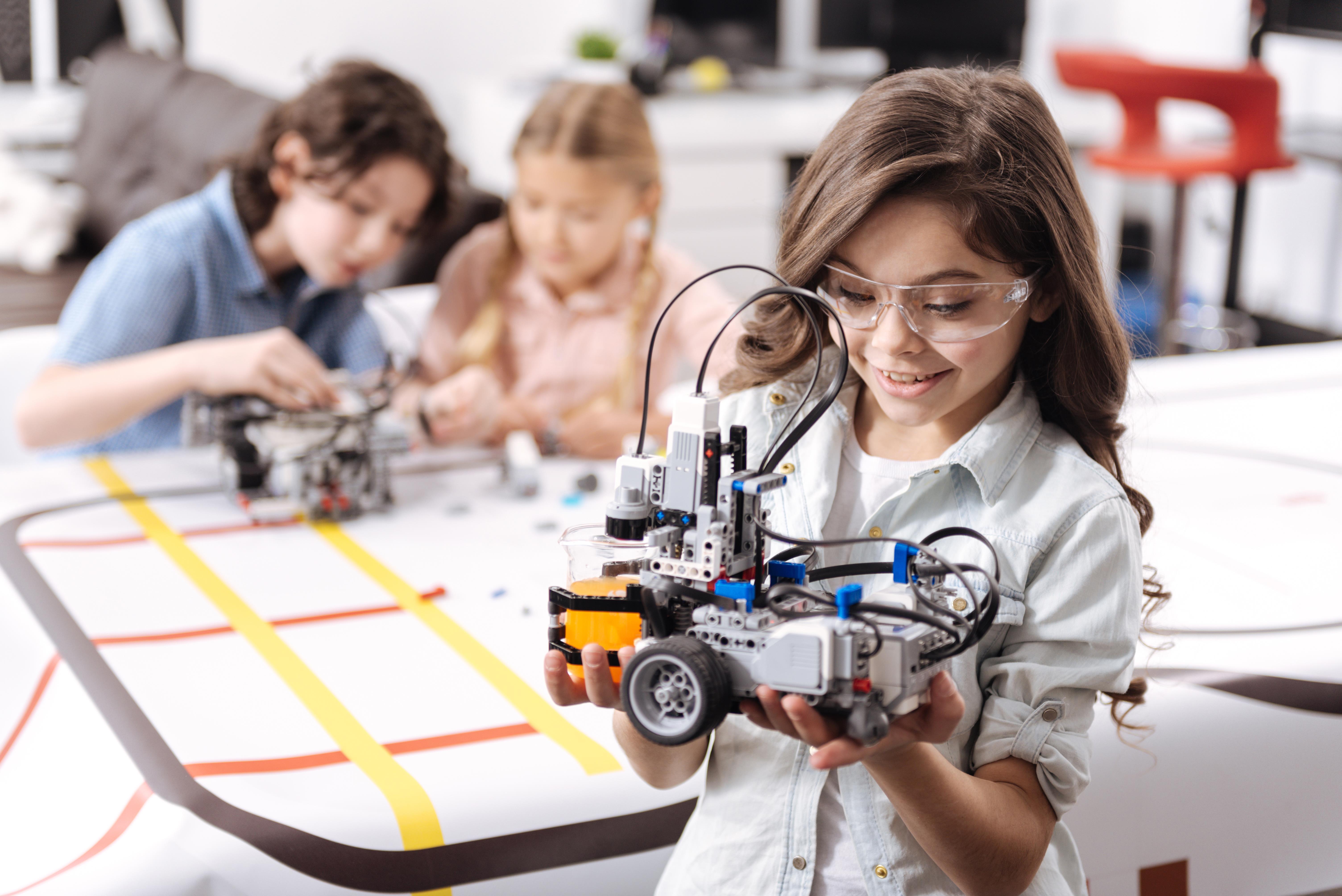 Brinquedos STEM para aprender sobre tecnologia