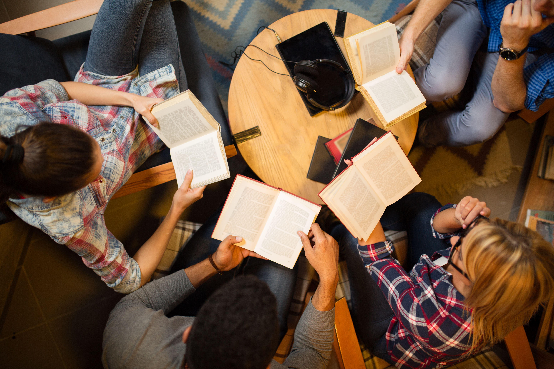 Sabes o que são clubes do livro digitais? Explicamos-te o sucesso de cinco