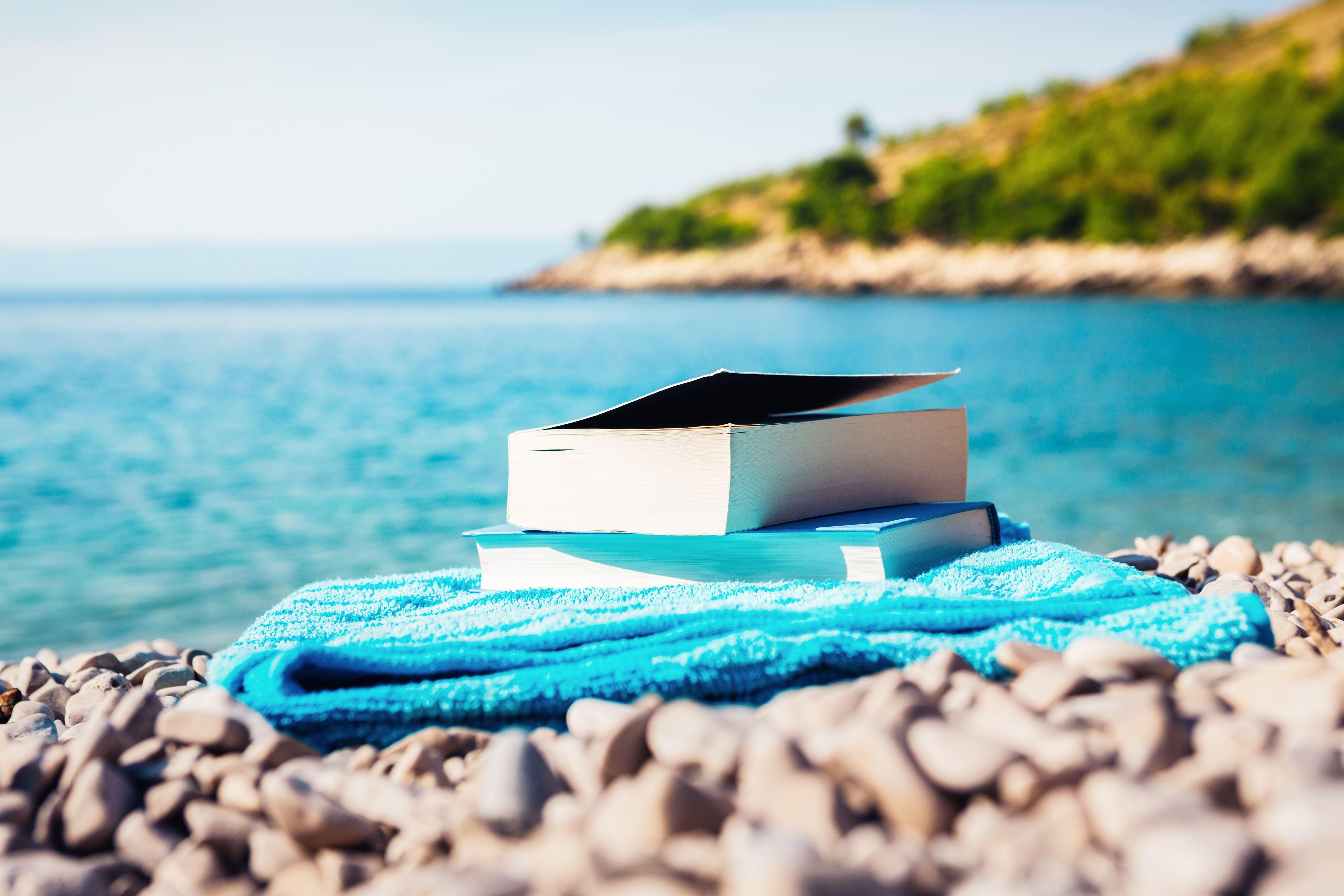 Preferes livros em inglês? Temos 10 sugestões para leres antes de terminares as férias