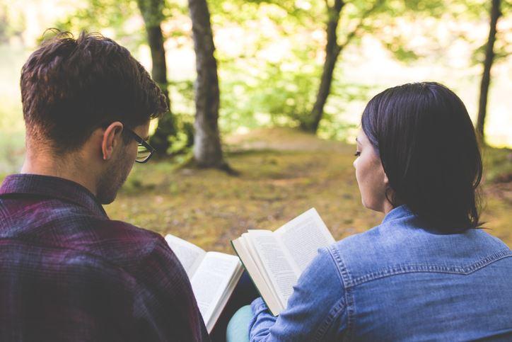 Dia dos namorados: temos o livro ideal para a tua história de amor
