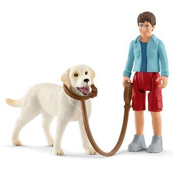 Figura de Brincar Passeio com Labrador Schleich