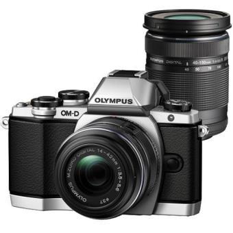 Olympus OM-D E-M10 + M.Zuiko Digital 14-42mm f/3.5-5.6 II R + M.Zuiko Digital ED 40-150mm f/4.0-5.6 R (Prata)
