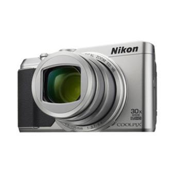 Nikon Coolpix S9900 (Prateado)