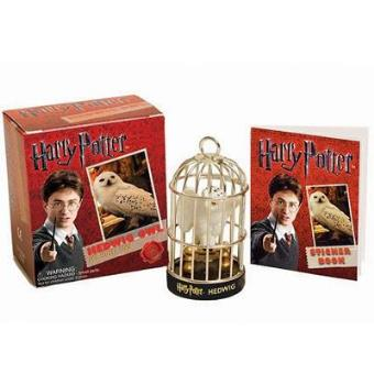 https://static.fnac-static.com/multimedia/Images/PT/NR/33/bd/0e/965939/1540-1/tsp20160819005909/Mini-Kit-Harry-Potter-Hedwig-Owl-Sticker-Book.jpg