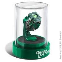 GREEN LANTERN-RING & DISPLAY
